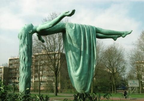 Elisabet-Stienstra-Sculpture- 2001